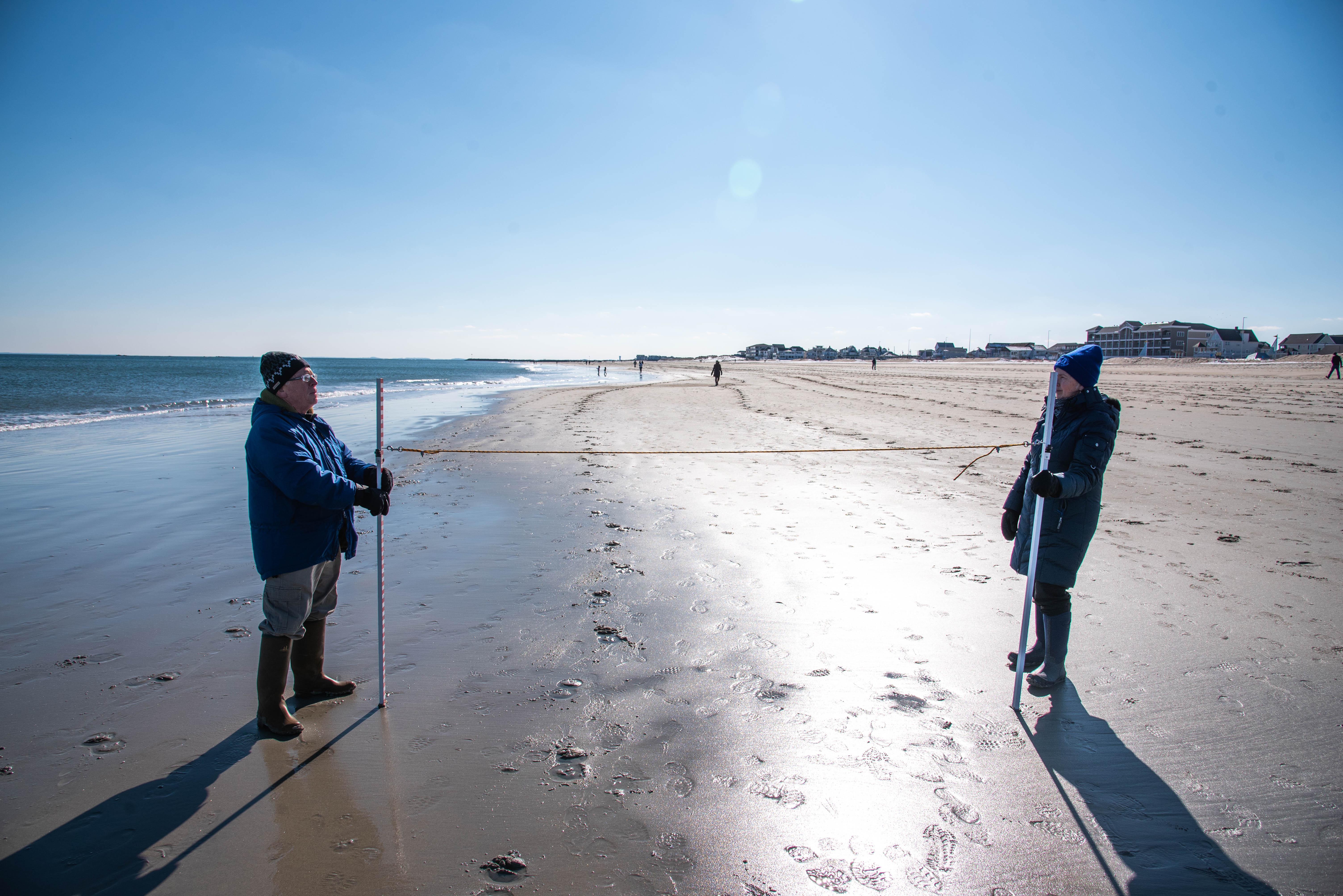 volunteers in Maine on beach