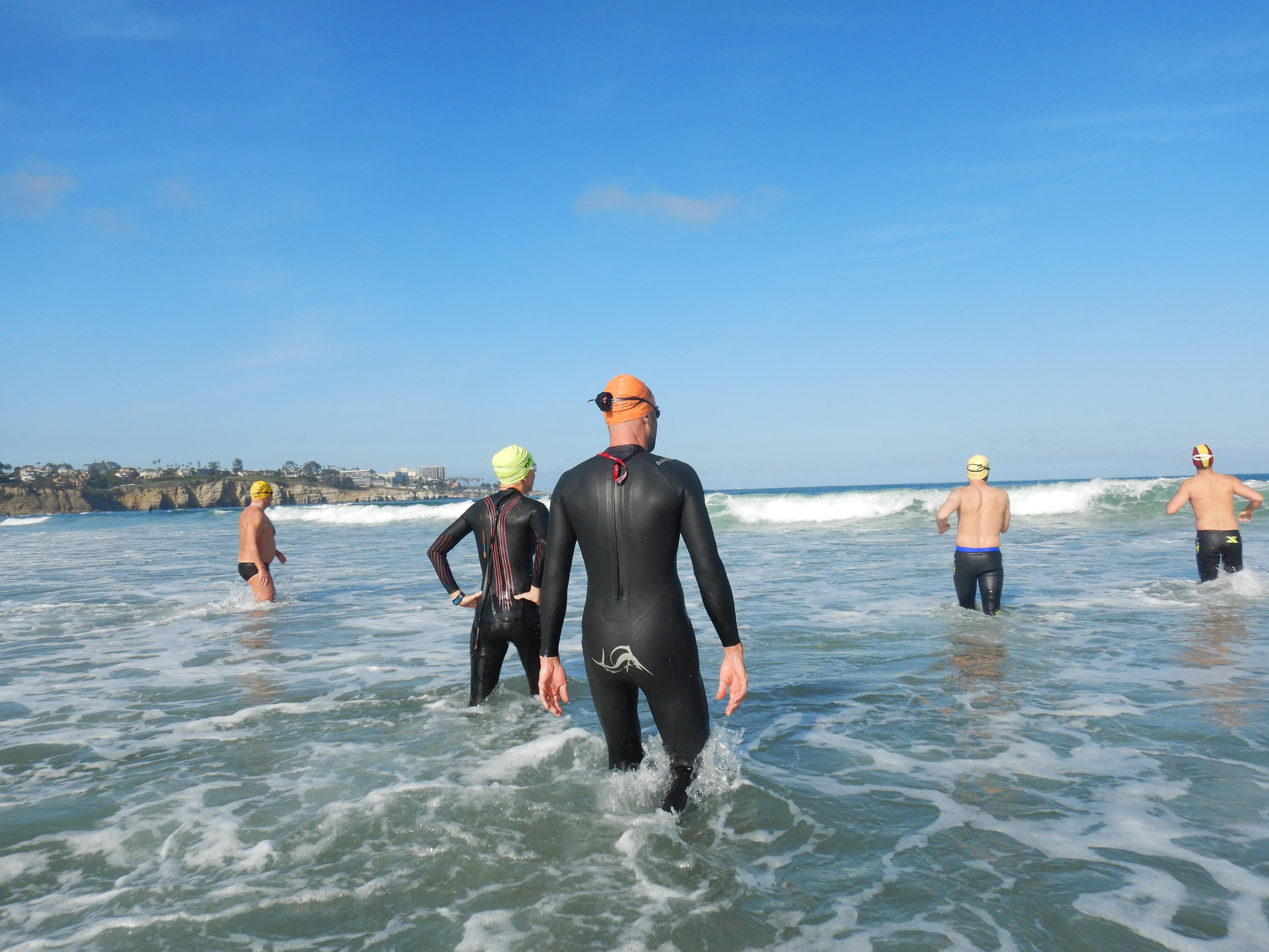 Nadadores en el agua.