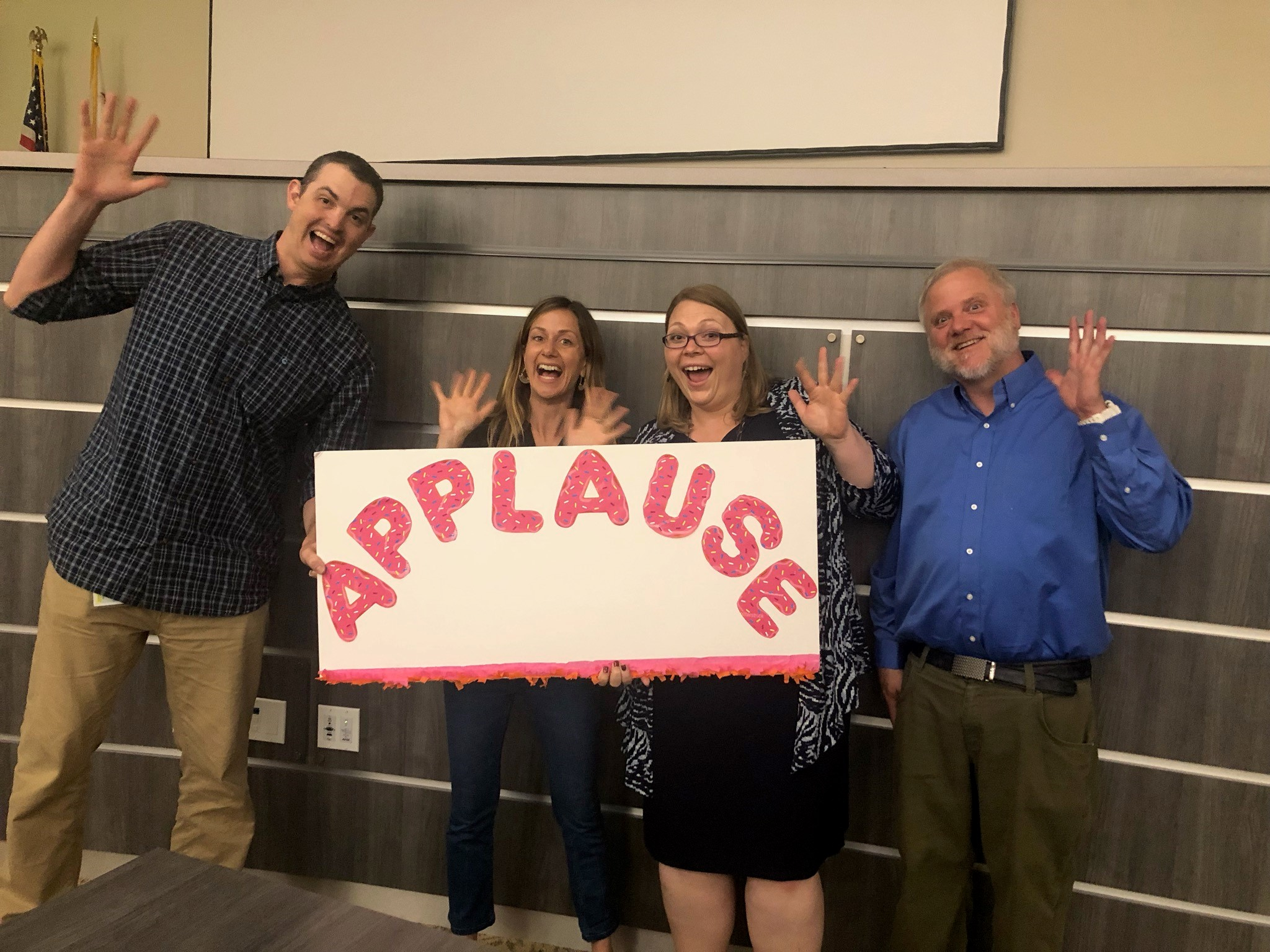 applause sign with people