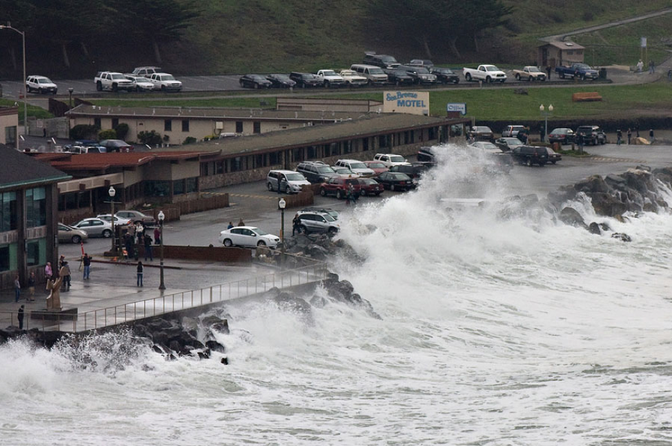 flooding during a storm, pacifica ca